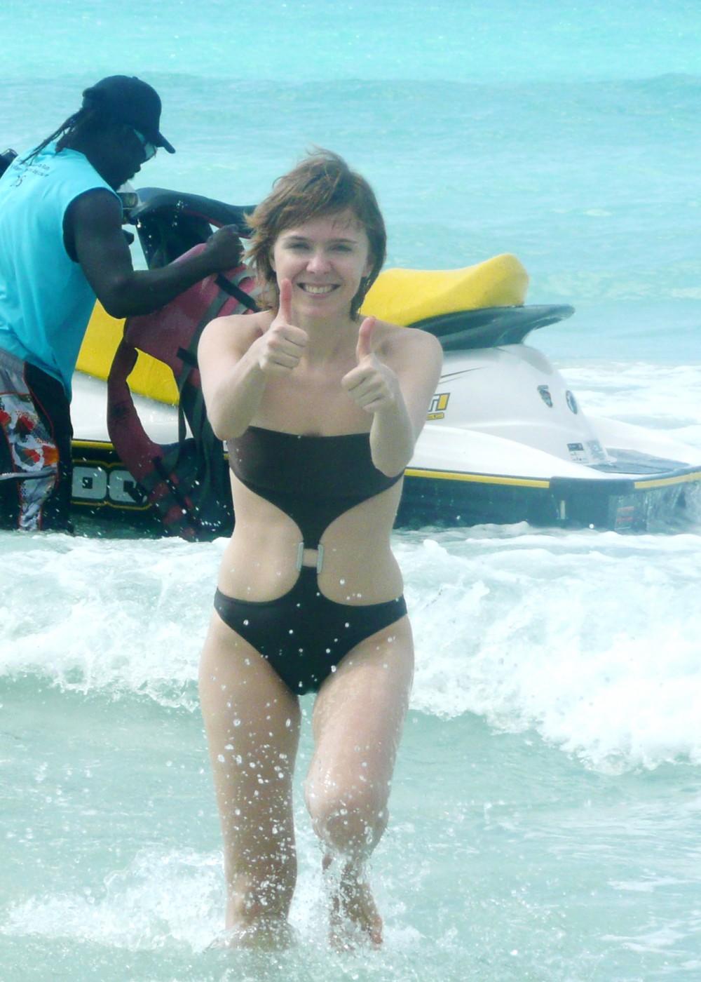 Фото полнеькие на пляже 5 фотография