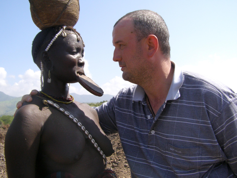 Что дикие африканцы надевают себе на член 9 фотография