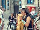 Звуки индейской музыки.