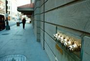 На каждом здании - пожарные краны. Иногда - красивые. :)