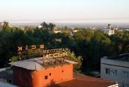 Утро в бывшей казахской столице (Остатки былой роскоши)