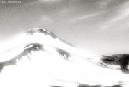 Ну, и под завязочку - Авачинская сопка в снегу. Фото 1997 г.