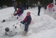 Снежная скульптура - Мышь - символ 2008 года.