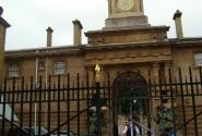 Часы на Королевских конюшнях