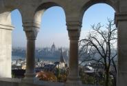 Вид на венгерский Парламент из Рыбацкого бастиона