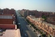 Центральный проспект Марракеша. В этом городе все здания одного цвета. Указ короля.