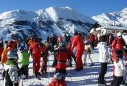 В Serfaus встреча инструкторов с группами происходит посреди горы...