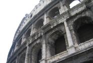 Колизей - самая известная развалина античного мира