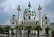 Karlskirche – очень нарядная и очень большая!