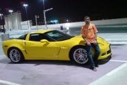 А вот и сам друг-фотограф. Как и все молодое продвинутое поколение Эмиратов, любит хорошие машинки и современнейшую технику.