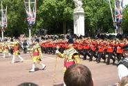 Идут гвардейцы Королевы