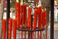 свечи конечно тоже красные