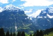 Высокие горы, а у подножия - жизнь!