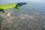 Под крылом самолёта о чём-то поёт Неаполь