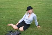 Приятно провести время на зеленом газончике))