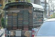 Вот так там яйца возят...куда СЭС смотрит?