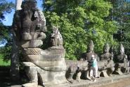 Мост в Ангкор Том