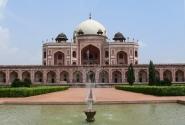 В Дели