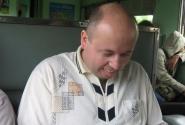 А в это время Вася узнал, что у него в мобильнике есть игры. Результат на лице!
