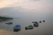 Дымка над озером