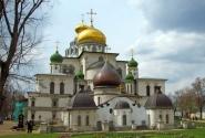 Воскресенский собор с церковью Константина и Елены
