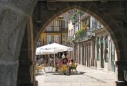 Кафе на площади Оливейра