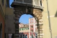 ворота между старой и относительно новой ачсть города