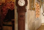 """часы без """"кукушки"""" в помещении первой жены"""
