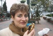 подарокдля обжоры- шоколадно-фруктово-орехово-вафельное чудо в полкило веса...
