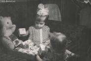 я помню, как жадничала и не давала другу поиграть кубиками...мне 2 года...