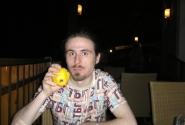 The Searcher с фруктом