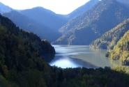 Снова озеро Рица.