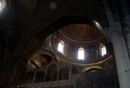 Каменный купол над пещерой, где произошло Воскресение.