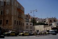 Ну нам то такси точно не нужны, нас ждет автобус.  Прощай, Палестина!