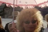 Гид Нона и ее зонт