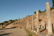 Да и дороги проложены... Колонны справа, фундамент - слева...