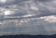 И порой с неба исходил божественный свет!