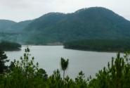 местность в Далате озерная