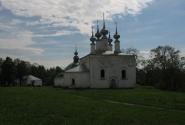 Входо-Иерусалимская церковь, расположена между гостиным двором и Кремлём. Типичная летняя церковь