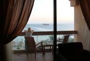 Романтика. Корабль, море, девушка...