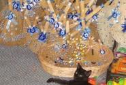 купите глаза фатимы и будет вам счастье :) черный котенок в придачу :)