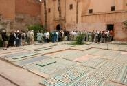 Очередь к мавзолею Саадидов