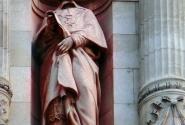 Памятник Ришелье в городской ратуше