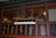 Внутри церкви Ферье чувствуется влияние моря