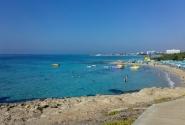 ближайший пляж к отелю
