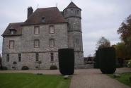 средневековый замок Васкёй отреставрирован, а мог бы тихо скончаться, как многие русские усадьбы - молодцы, французские меценаты!