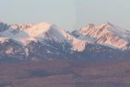 закат Саянских гор сиренево-розовый