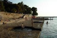 Новиград. ...и купальнями