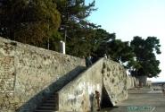 Новиград. Сейчас и я поднимусь по лестнице