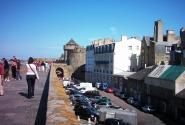 Город за крепостными стенами